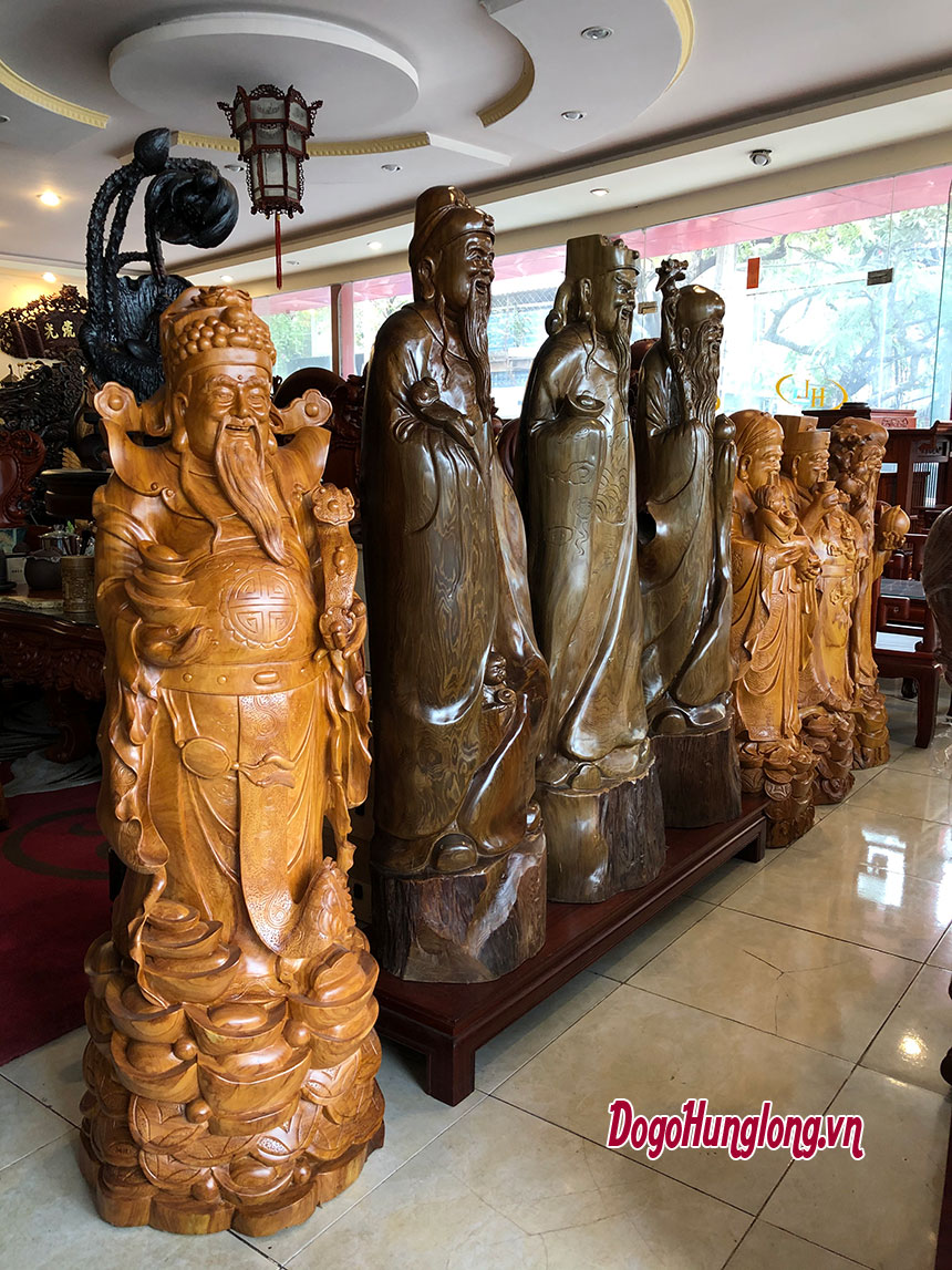 Các mẫu tượng tam đa cỡ lớn.