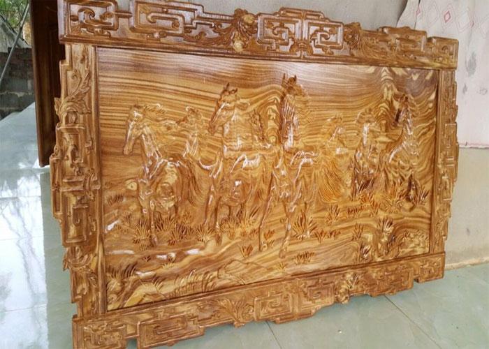 Tranh gỗ mã đáo thành công