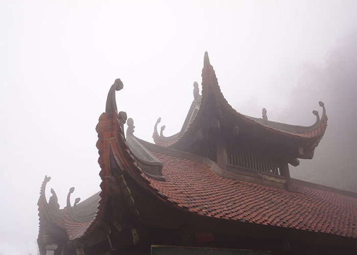 Đền thờ, miếu mạo, đền phủ thờ ai?