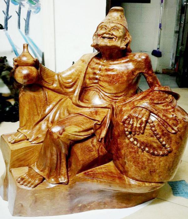 Tượng gỗ Tế Công