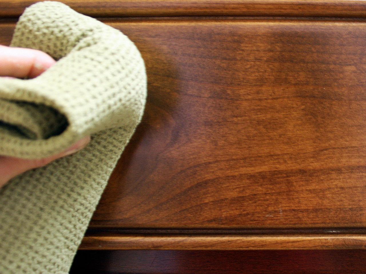 Mẹo vệ sinh đồ gỗ an toàn mà hiệu quả