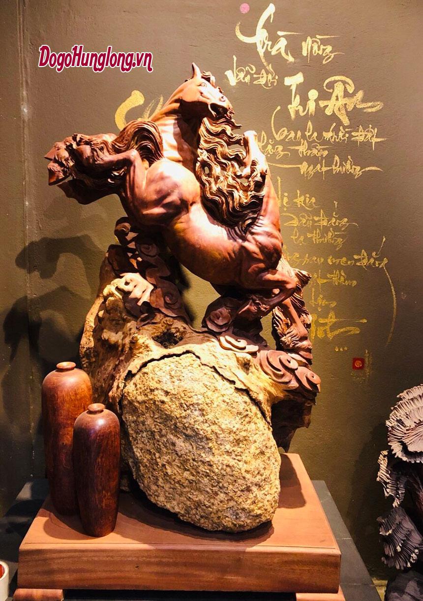 Tượng song mã gỗ hương cực đẹp