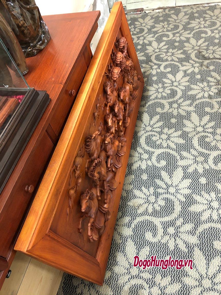 Tranh gỗ bát mã thăng thiên
