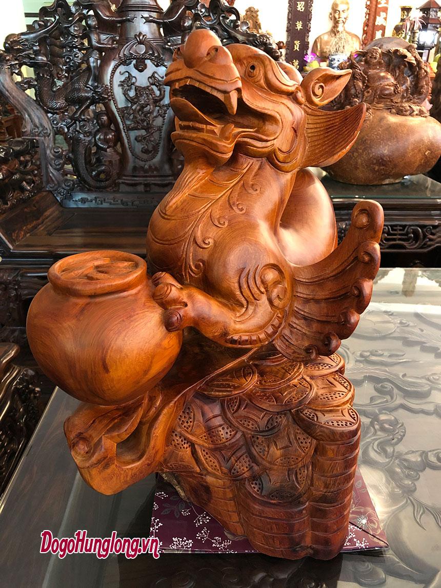Tượng tỳ hưu, gỗ hương ngậm đá tự nhiên