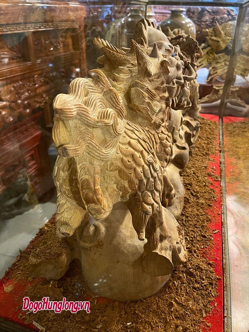 Tượng kỳ lân tranh châu, gỗ ngọc am.