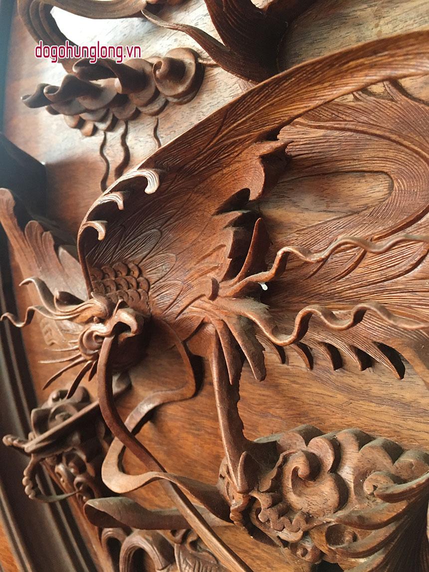 Đĩa rồng, gỗ hương, đục nguyên khối, đường kính 60cm, cao 80cm