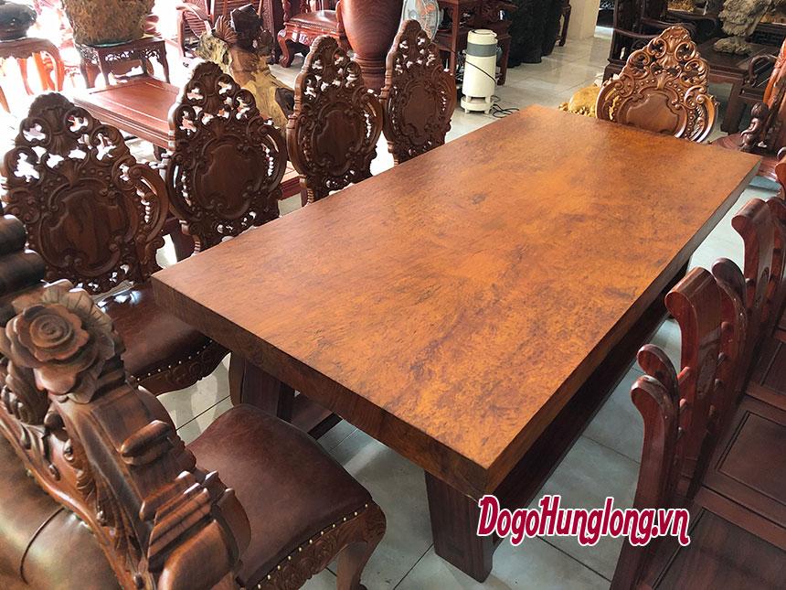 Bộ bàn ăn nguyên tấm gỗ cẩm hiếm có