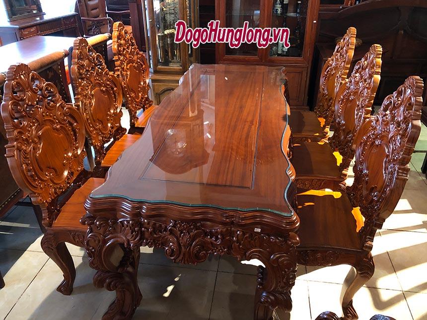 Bộ bàn ăn hoàng gia