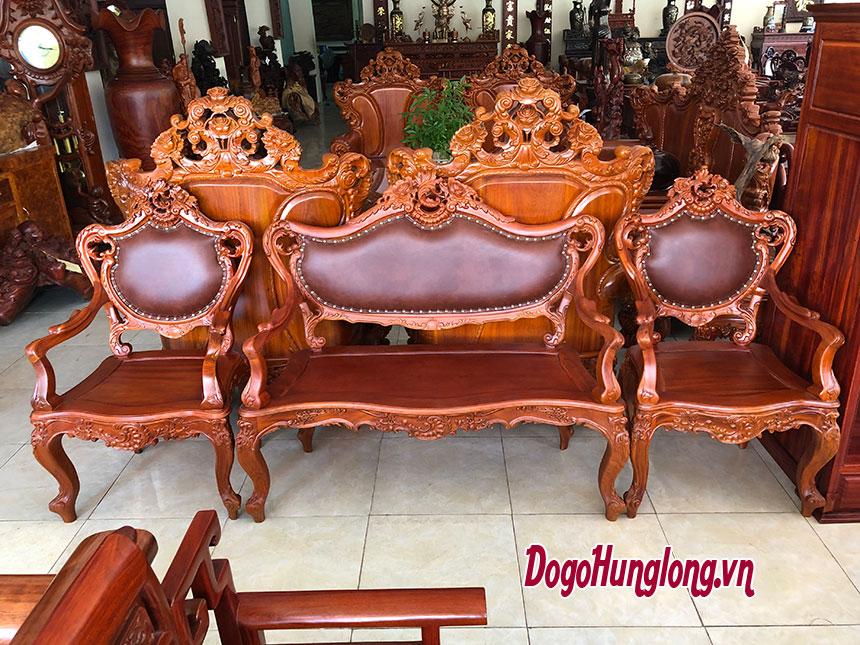 Thiết kế phòng khách với mẫu bàn ghế Louis 14