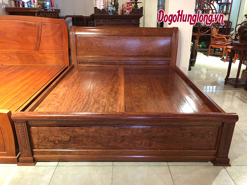 Giường đôi gỗ cẩm