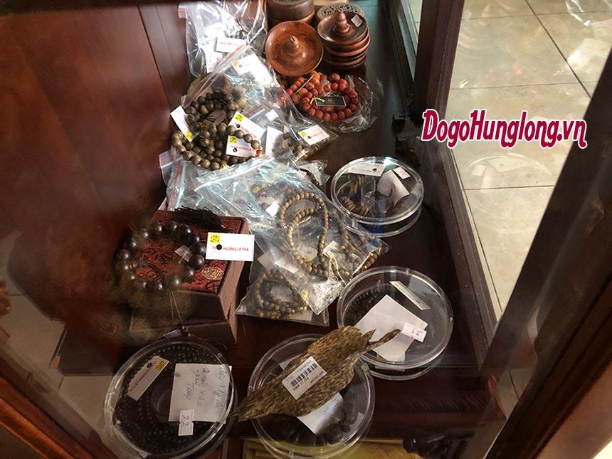 Các sản phẩm chế tác từ trầm: vòng trầm, hương trầm, gỗ và hộp đựng