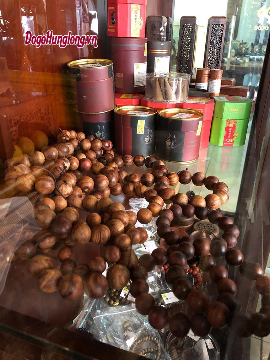 Vòng trầm, hương trầm, kỳ nam, hộp đựng và các sản phẩm từ trầm